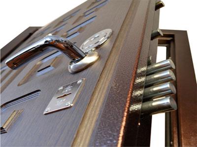 Упаковка сейф дверей уголками ППУ наилучший вариант